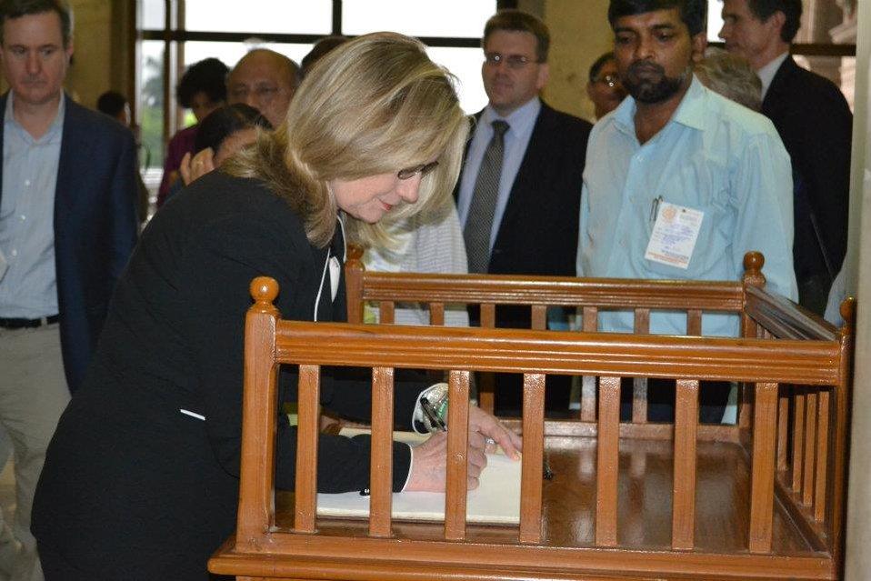 Secretary Clinton Signs the Guestbook
