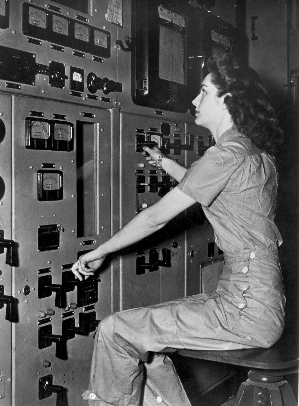 Control Panel Operator, Y-12 Plant Oak Ridge