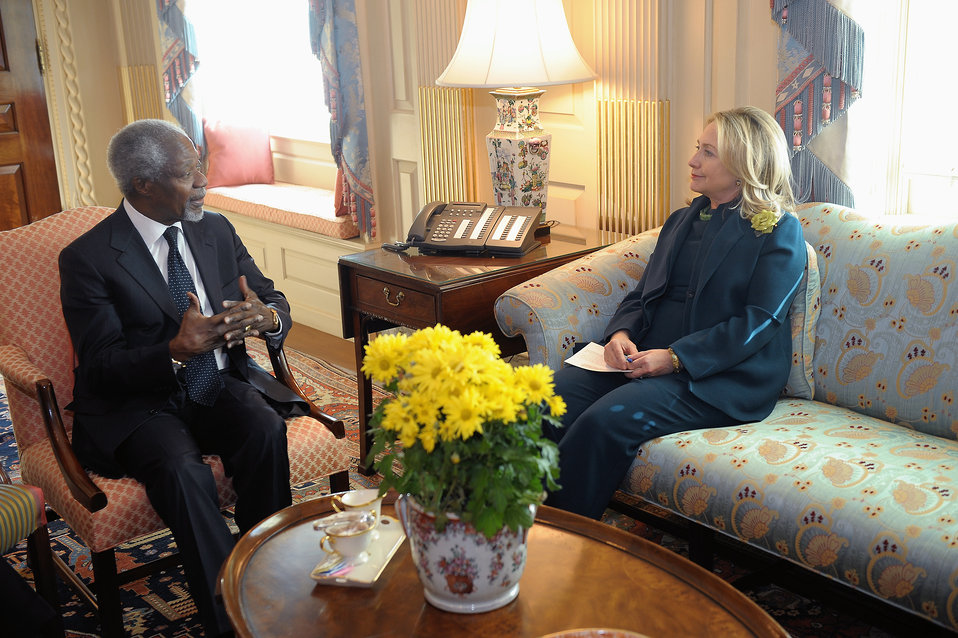 Secretary Clinton Meets Former UN Secretary-General and Current Chairman of Alliance for a Green Revolution in Africa Kofi Annan
