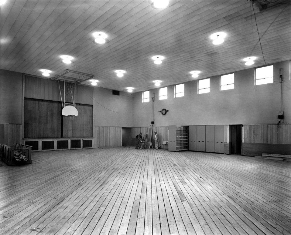 Gym Elementary School Neighborhood  11 Oak Ridge