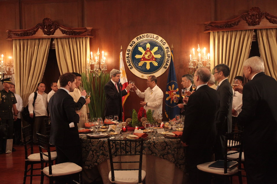 Secretary Kerry Offers a Toast in Honor of Philippine President Aquino