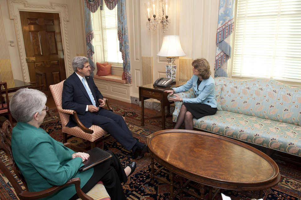 Secretary Kerry Meets With Senator Murkowski