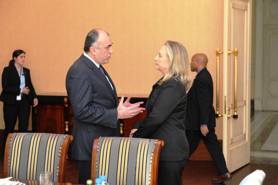 Secretary Clinton Meets With Azerbaijani Foreign Minister Mammadyarov
