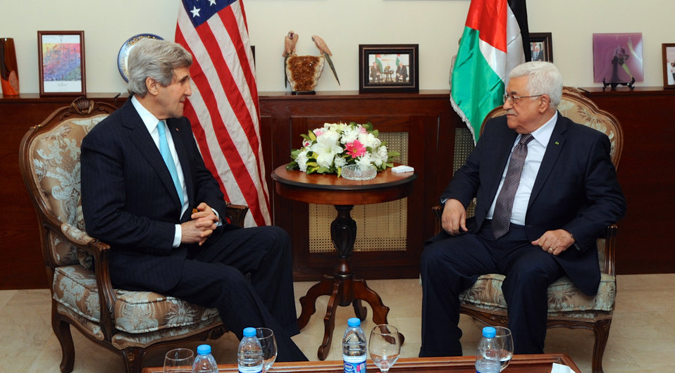 Secretary Kerry Meets With Palestinian Authority President Abbas in Amman