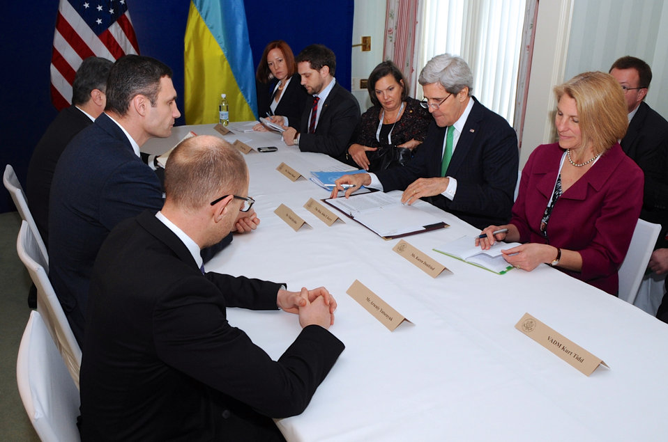Secretary Kerry Meets With Ukrainian Opposition Leaders in Munich