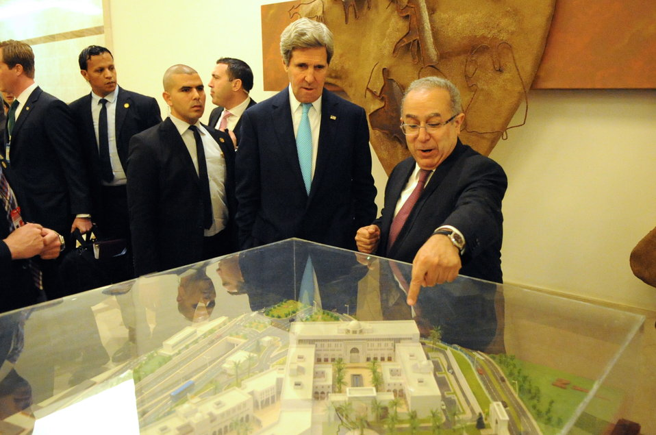 Algerian Foreign Minister Shows Secretary Kerry Ministry of Foreign Affairs Model in Algiers