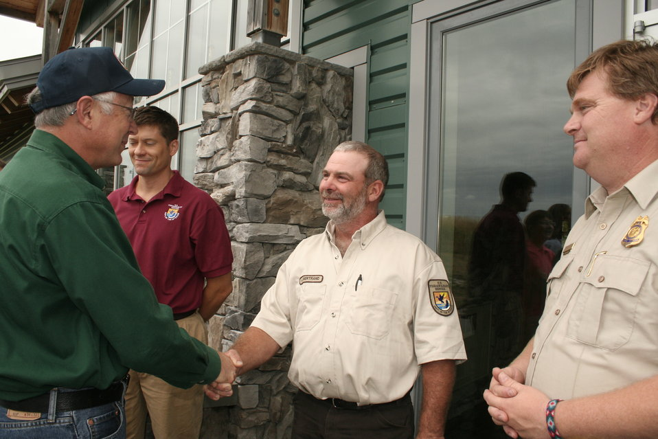 USFWS employees greet Secretary Salazar