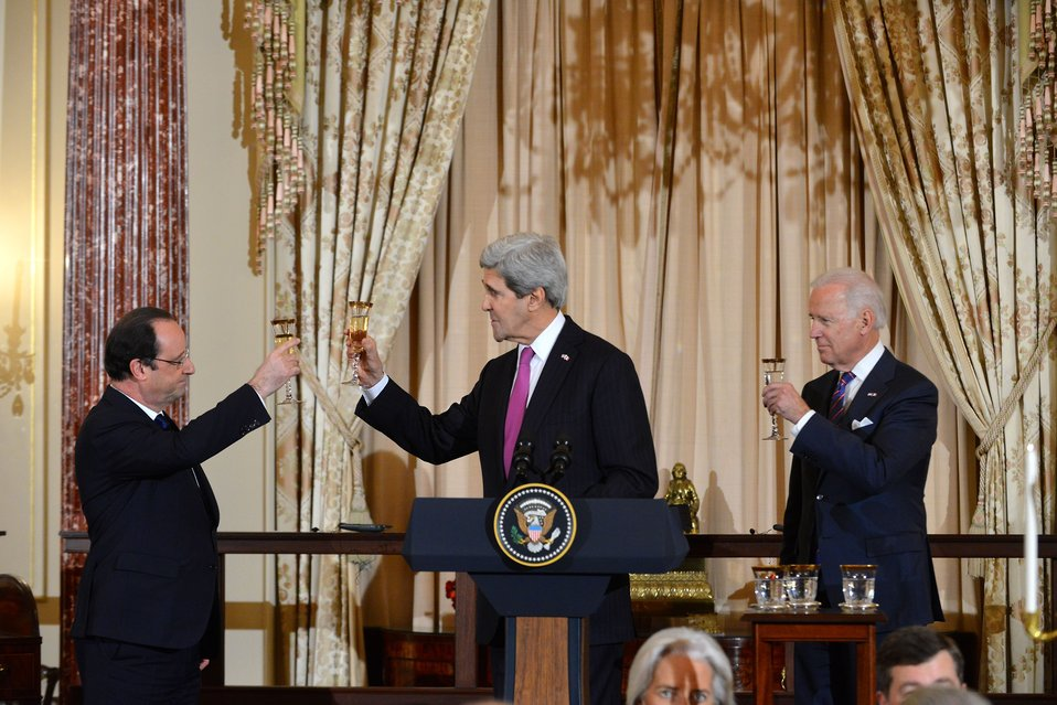 Secretary Kerry, Vice President Biden, and French President Hollande Toast the U.S.-France Relationship