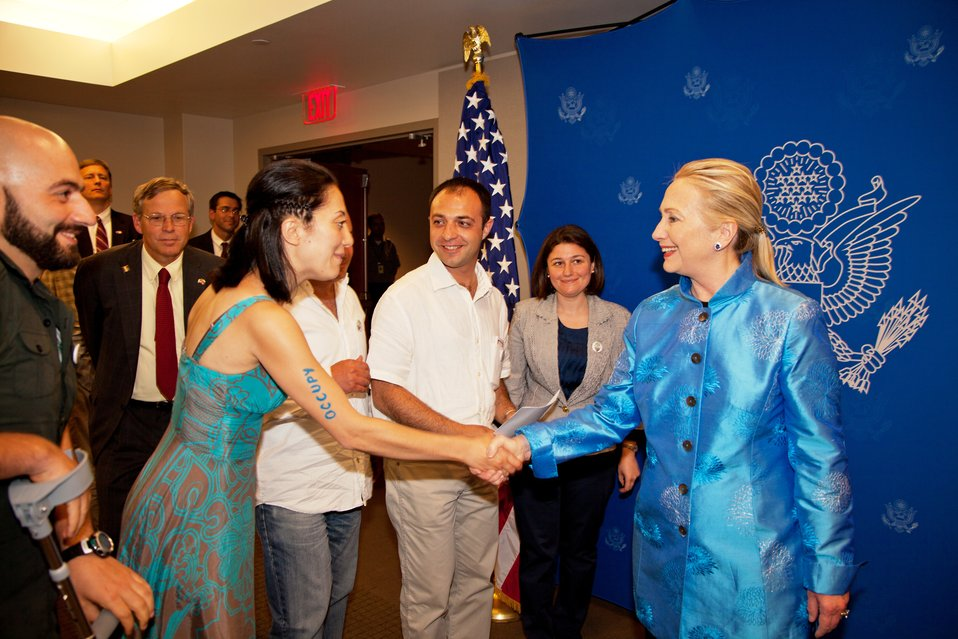 Secretary Clinton Meets With Armenian Environmental Activists