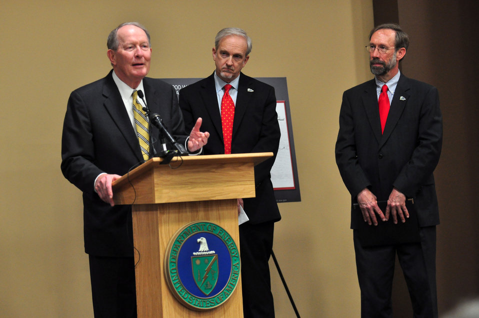 Mercury Cleanup Press Conference Y-12 Oak Ridge Speaking U.S. Sen. Lamar Alexander (R-Tenn.), with L to  R EM Senior Advisor Dave Huizenga and EPA Deputy Regional Administrator for Region 4 Stan Meiburg