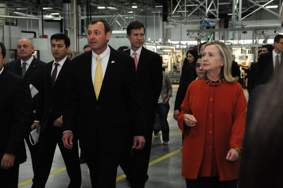 GM Uzbekistan General Director Spendel Gives Secretary Clinton a Tour of the GM Factory