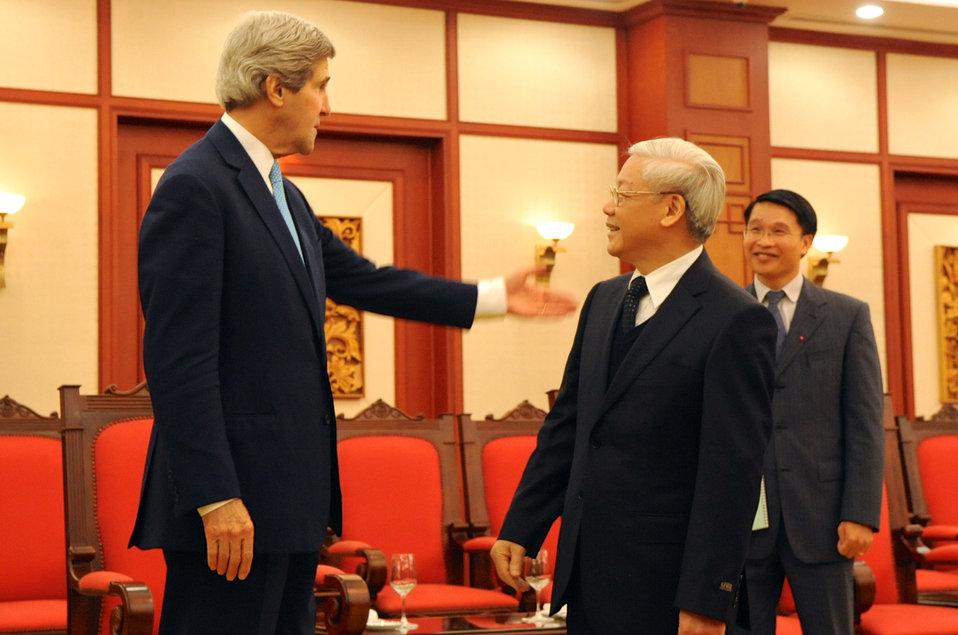 Vietnamese Communist Party Secretary General Trong Receives Secretary Kerry