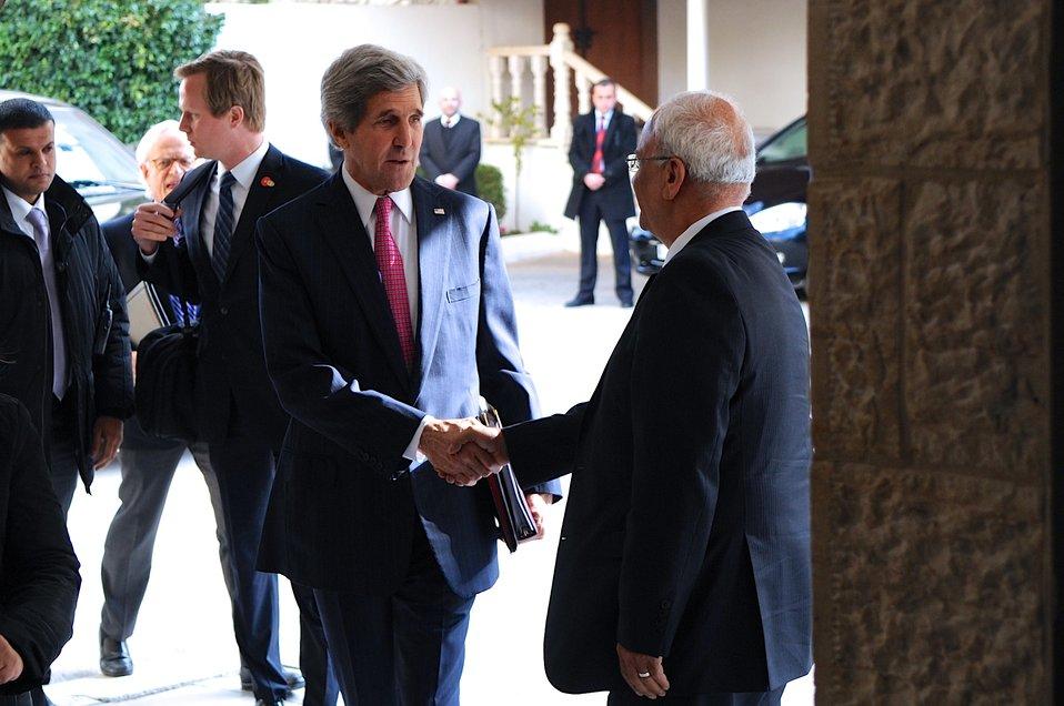 Secretary Kerry, Negotiator Erekat Greet Each Other in West Bank