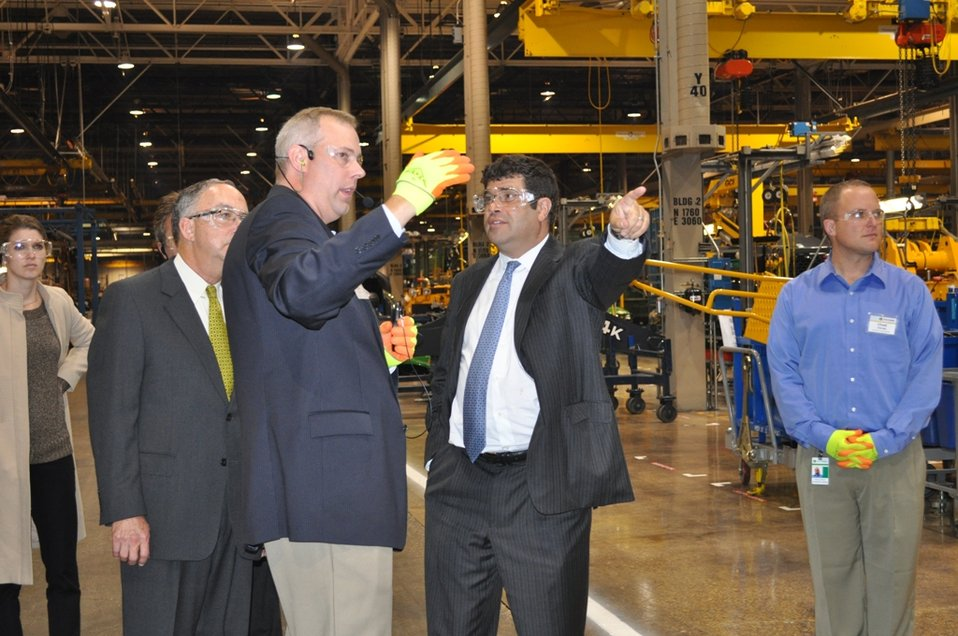 Deputy Secretary Neal Wolin visits Deere and Co.