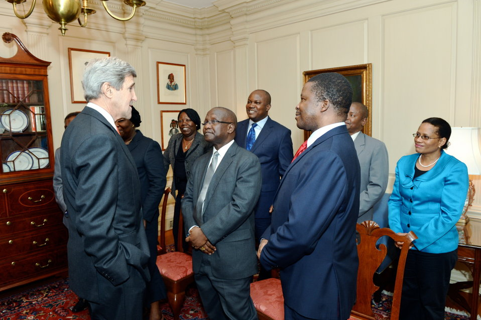 Secretary Kerry Meets With Chief Justices from Nigeria, Liberia, and Supreme Court Officials from Nigeria, Liberia, and Botswana