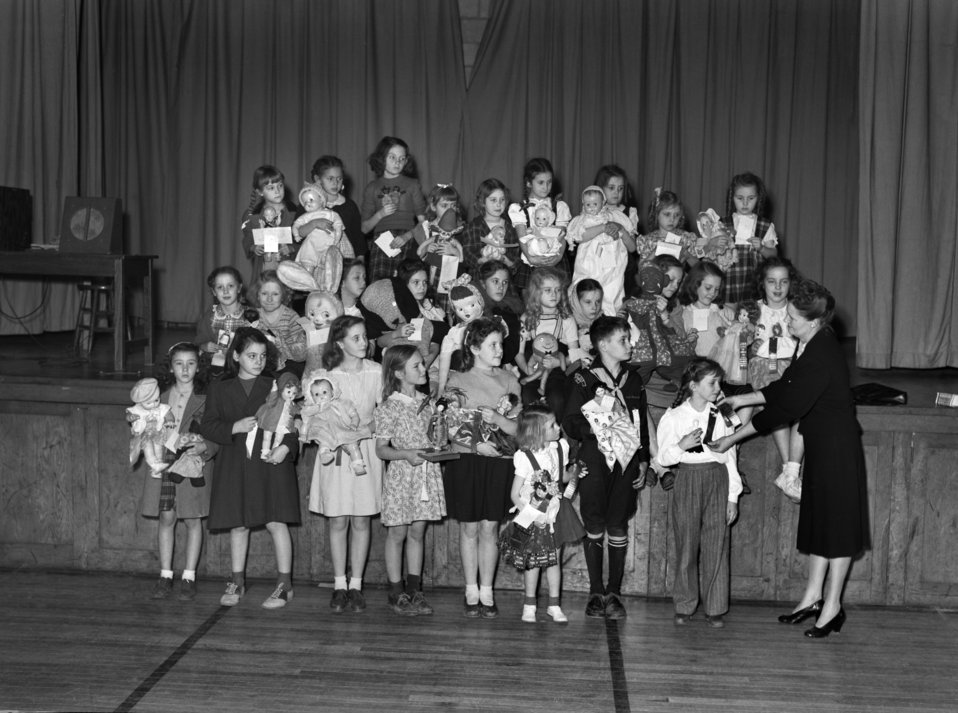 Doll Show Glennwood School Oak Ridge 1947