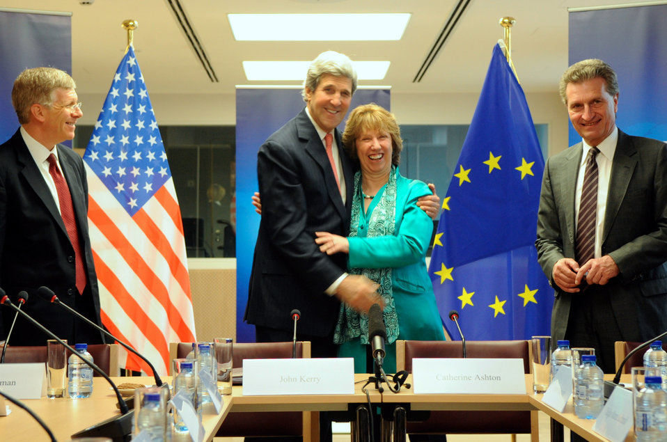 Secretary Kerry Embraces EU High Representative Ashton at Outset of Energy Meeting