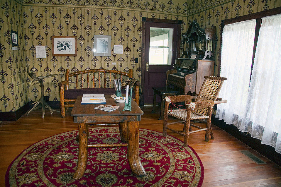 furnished room, Miller Homestead