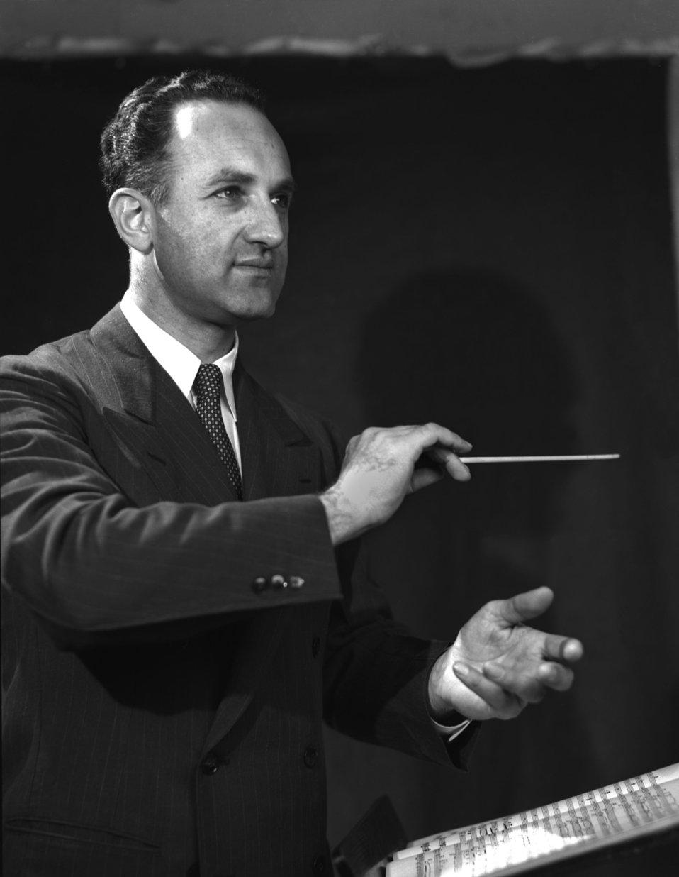Dr. Waldo Cohn Biochemist/Conductor Oak Ridge