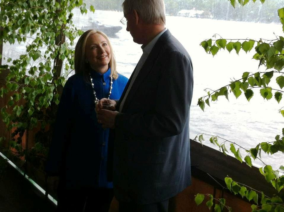 Secretary Clinton Speaks With Swedish Foreign Minister Bildt