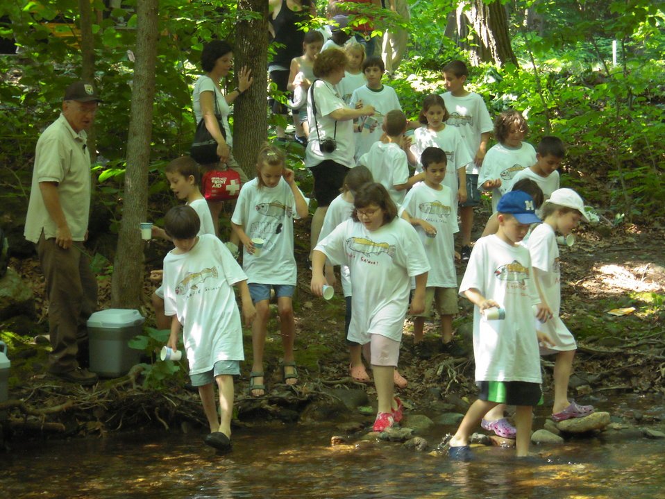 Kids arrive at Saw Mill River
