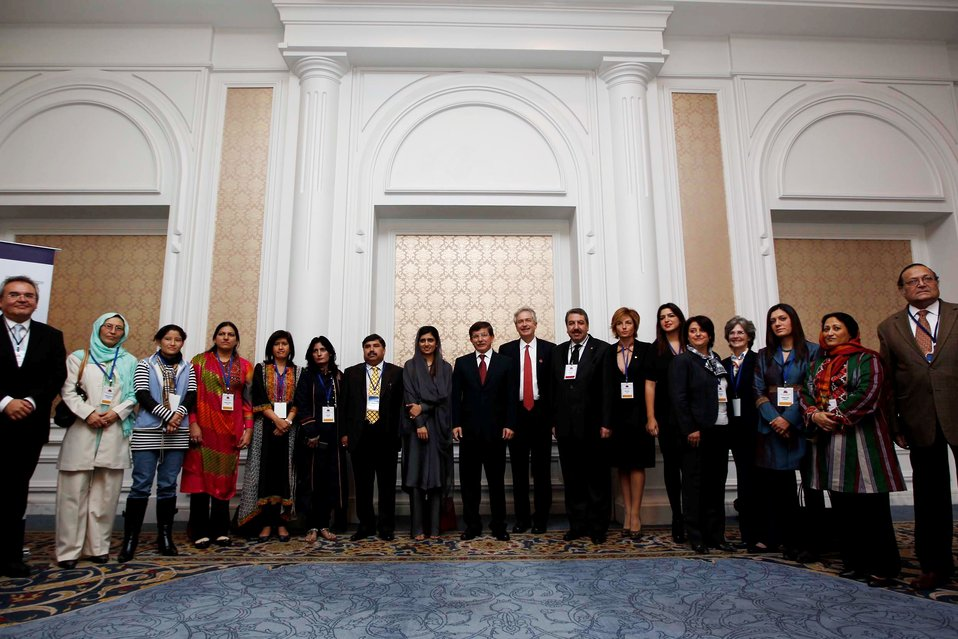 Deputy Secretary Burns and Turkish Foreign Minister Davutoglu Pose for a Photo With Women Entrepreneurship Roundtable Participants
