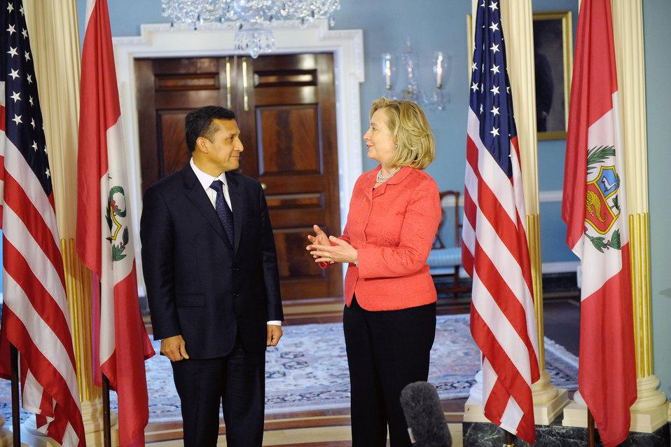 Secretary Clinton Meets With Peruvian President-Elect Humala