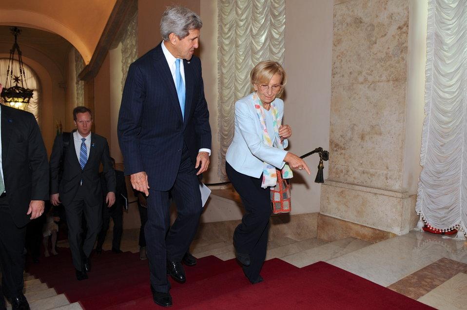 Italian Foreign Minister Bonino Escorts Secretary Kerry