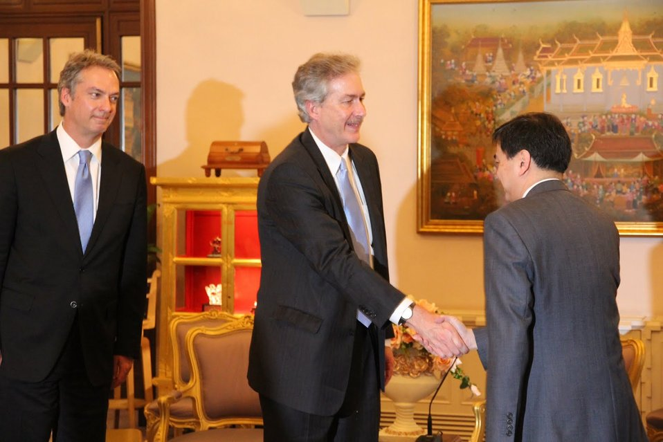 Under Secretary Burns and Thai Prime Minister Abhisit Vejjajiva Shake Hands