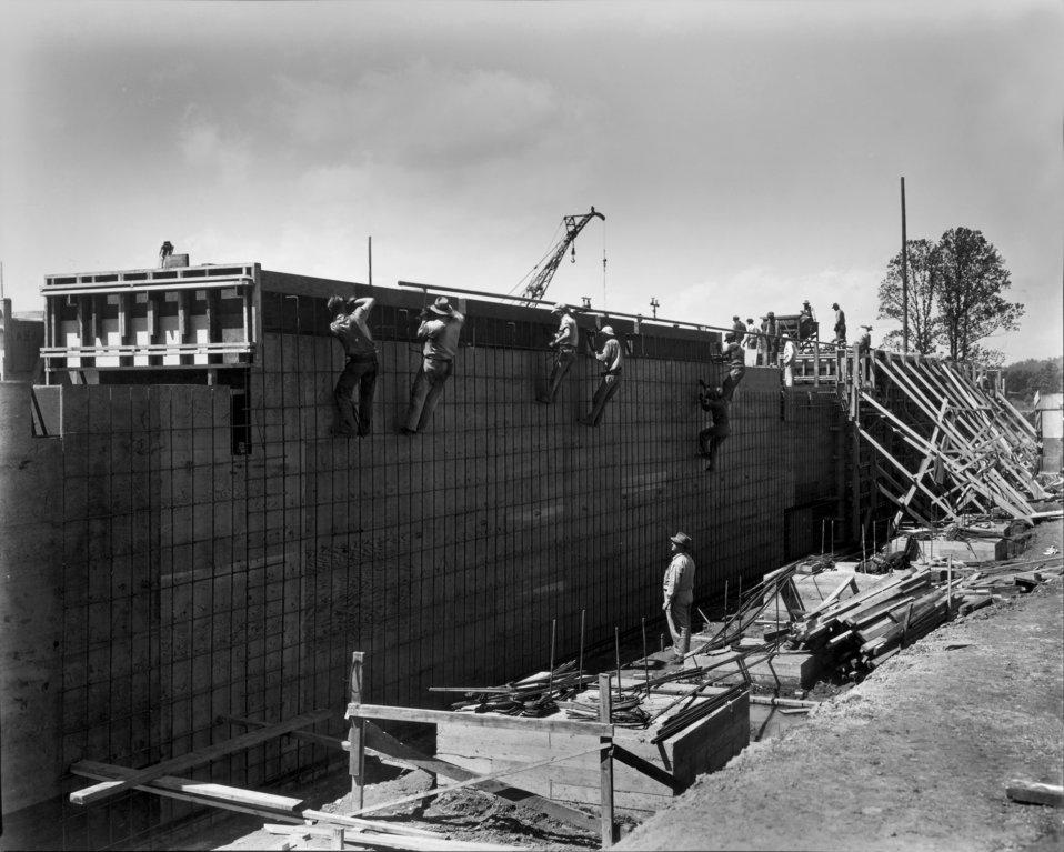 Early construction at K-25 plant Oak Ridge