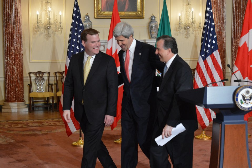 Secretary Kerry, Canadian Foreign Minister Baird, and Mexican Foreign Secretary Meade Share a Laugh