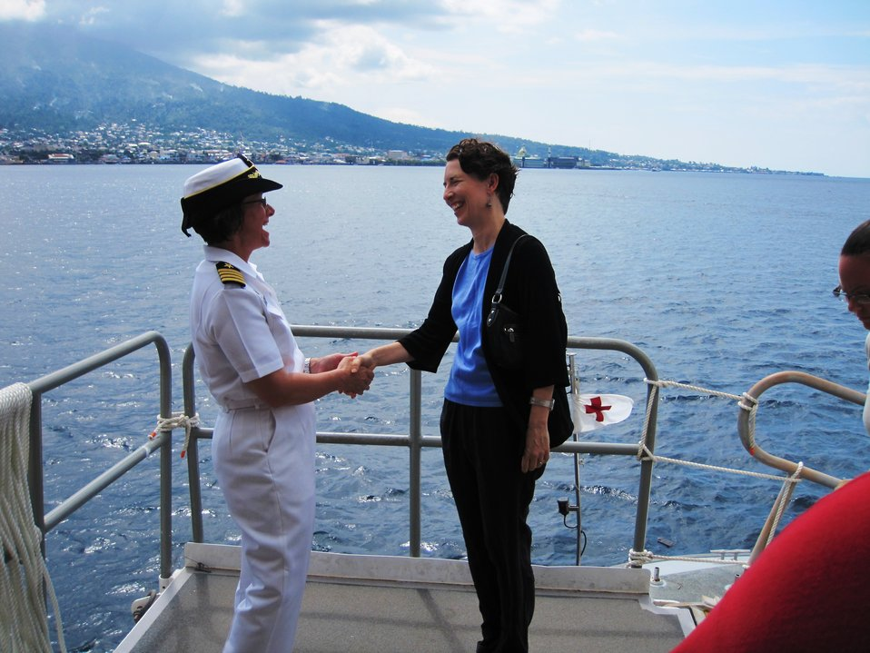 PP2010 Commander Capt. Franchetti Shakes Hands With U.S. Consul General Bauer