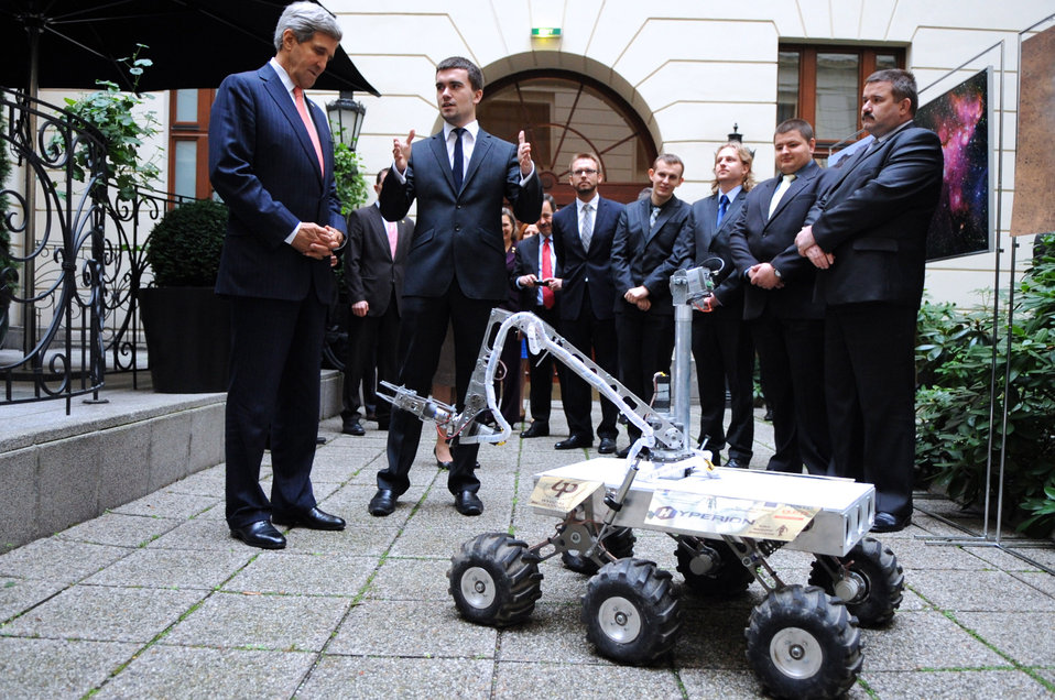 Secretary Kerry Meets With Polish Builders of the Mars Rover Model