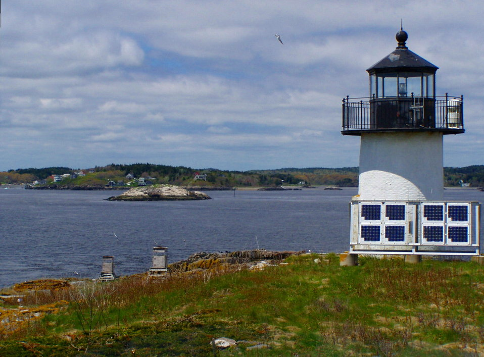Pond Island light