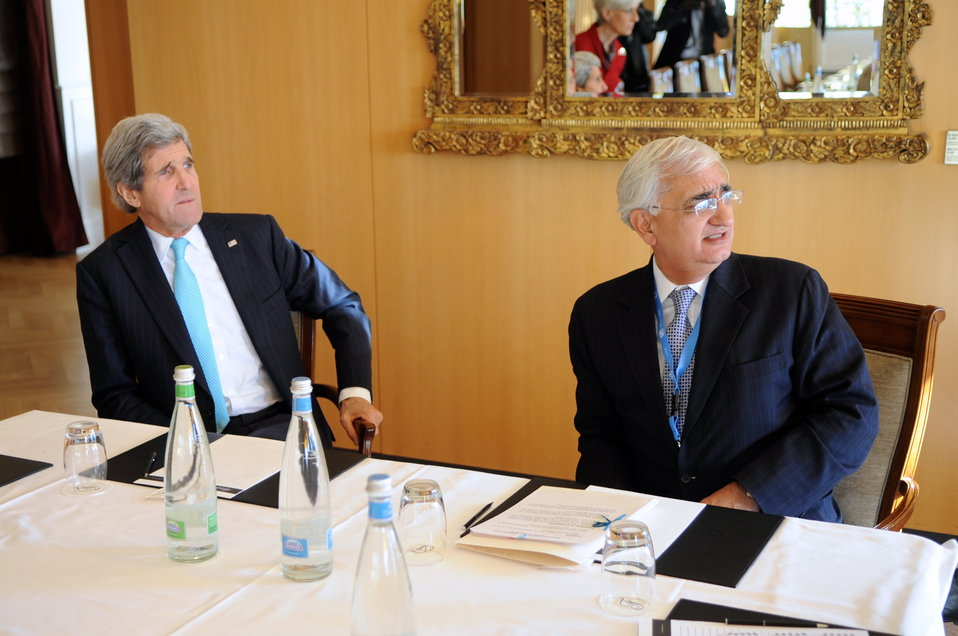 Secretary Kerry, Indian Foreign Minister Khurshid Enjoy Alpine View