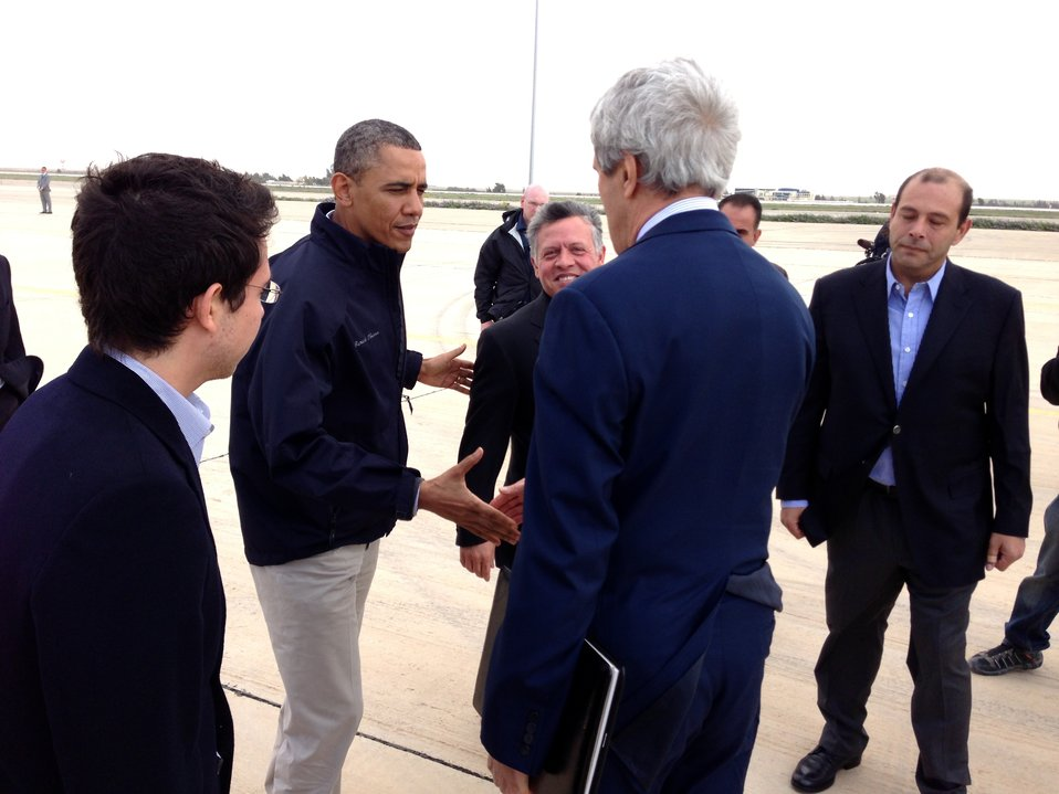 Secretary Kerry Bids Farewell to President Obama in Amman