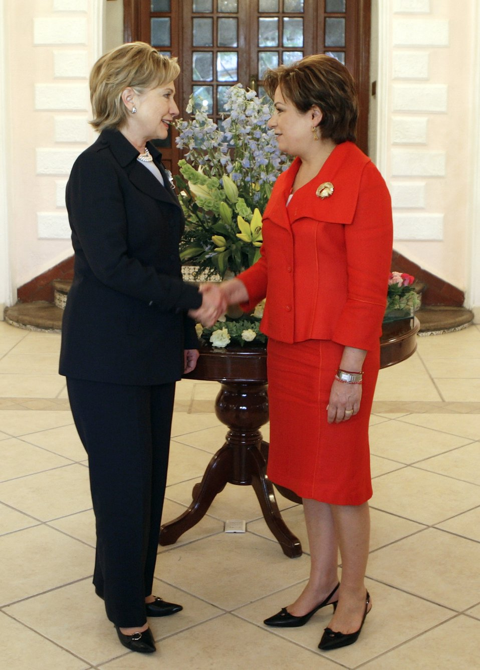Secretary Clinton Meets Mexican Foreign Minister
