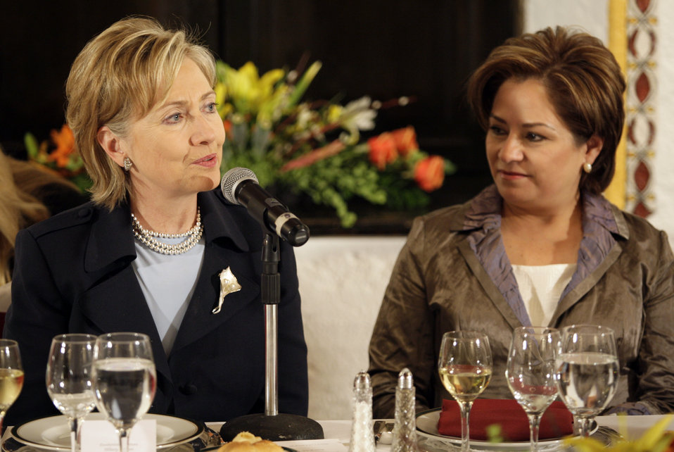 Secretary Clinton Attends Women Leaders Dinner
