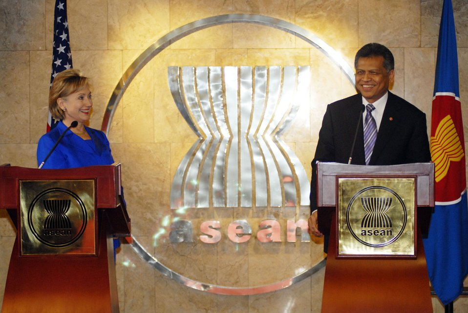 Secretary Clinton and ASEAN Secretary General Pitsuwan