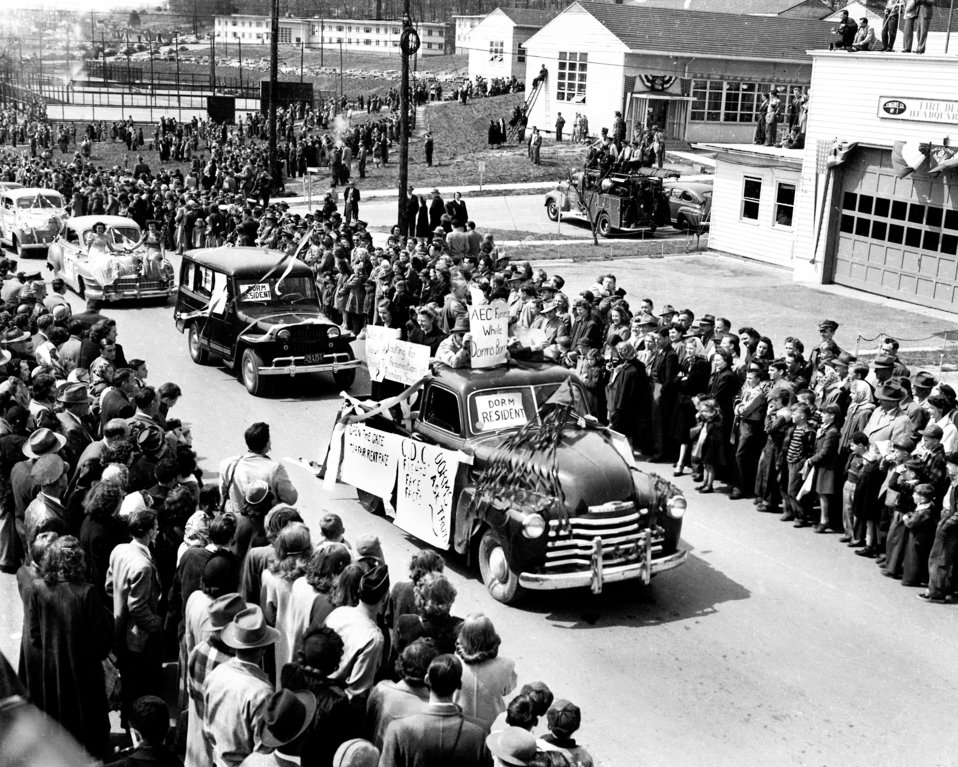 Gate Opening 1949 Oak Ridge
