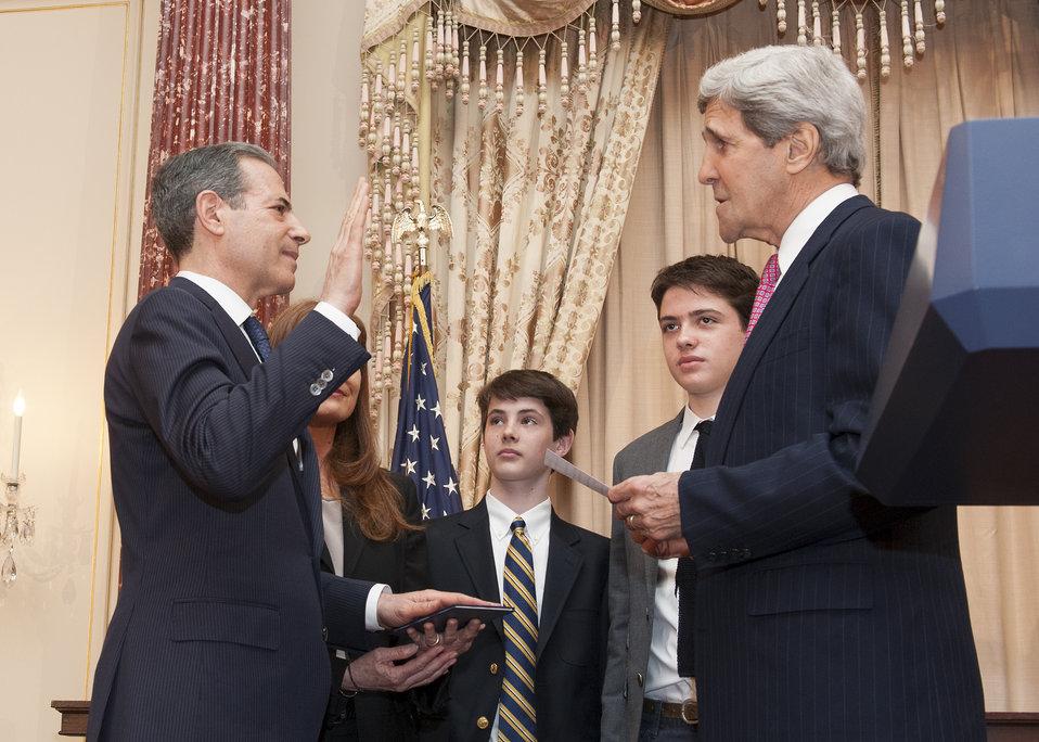 Secretary Kerry Swears in Rick Stengel as Under Secretary