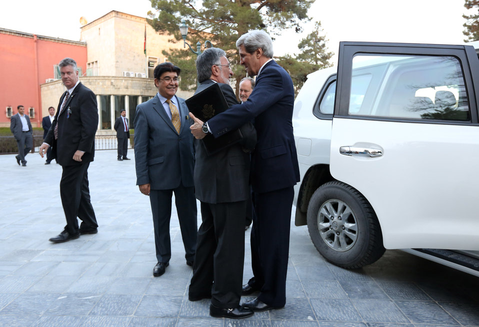 Secretary Kerry Arrives in Afghanistan