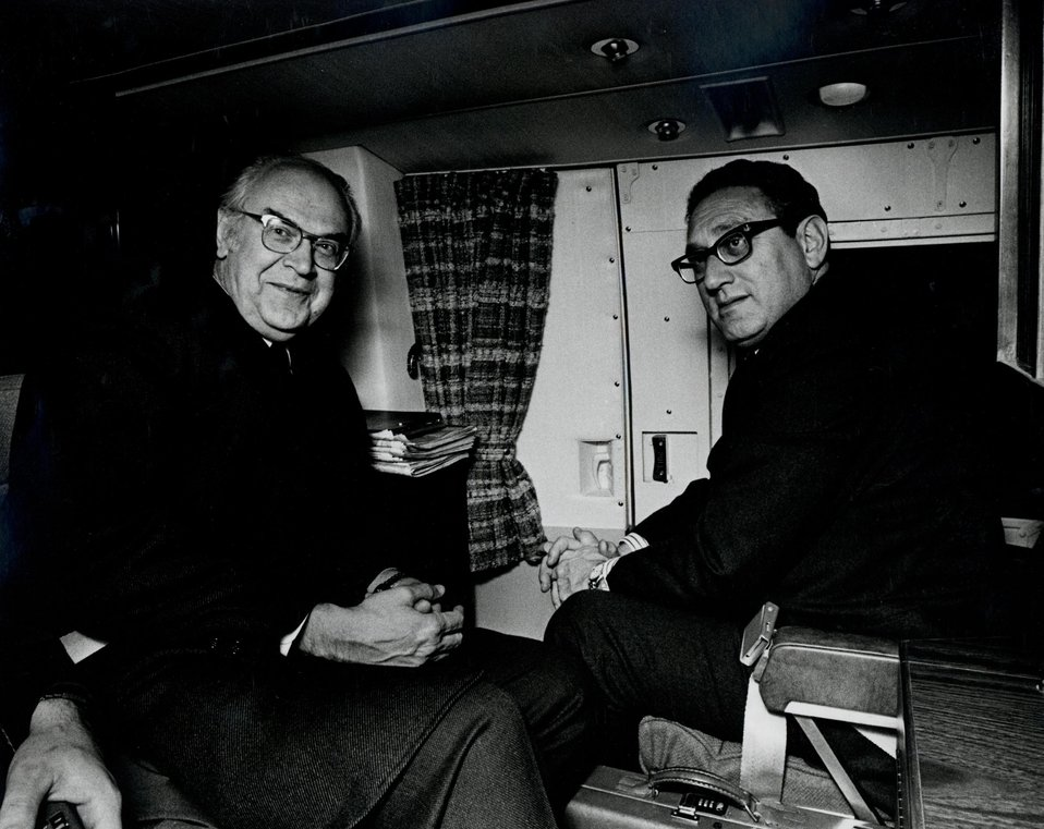 U.S. Secretary of State Henry Kissinger and Soviet Ambassador Anatoly Dobrynin meeting on helicopter, January 25, 1974