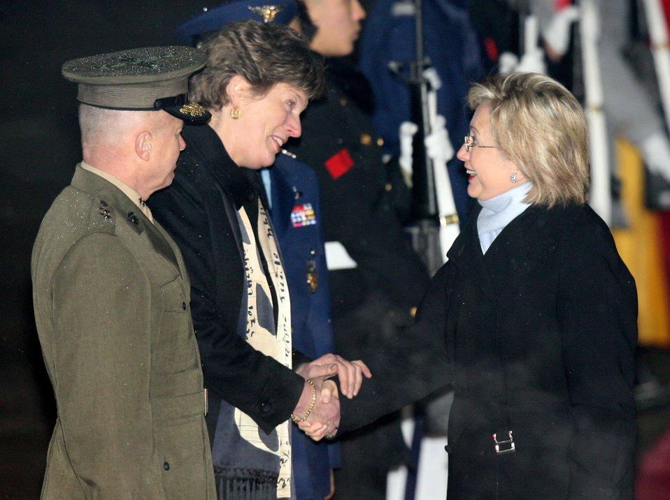 Secretary Clinton Arrives in Seoul, South Korea