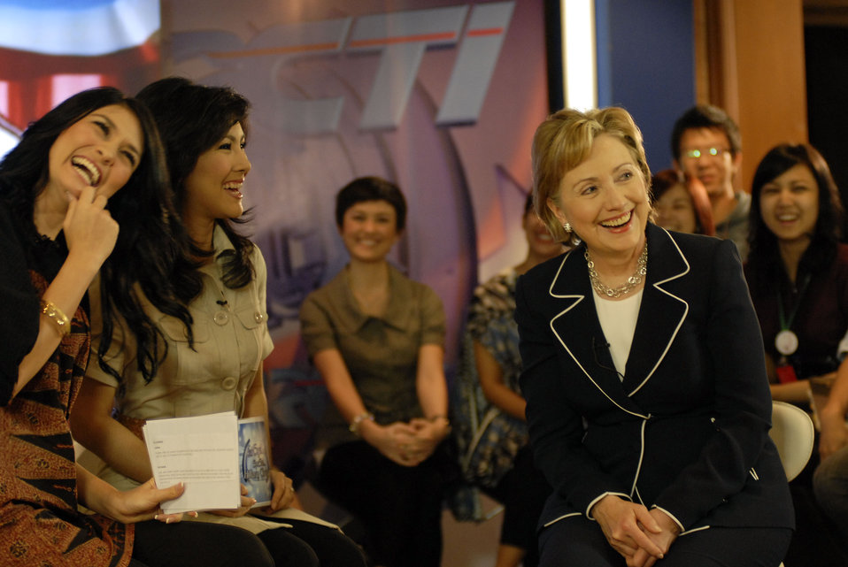 Secretary Clinton on Indonesian 'Dahsyat' TV Show