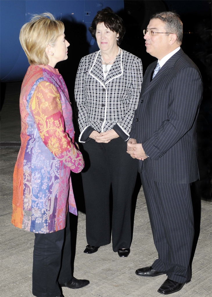 Secretary Clinton Arrives in Egypt