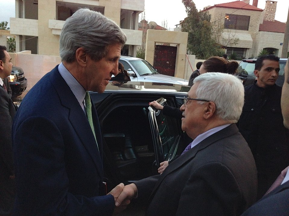 Secretary Kerry Bids Farewell to Palestinian President Abbas in Amman