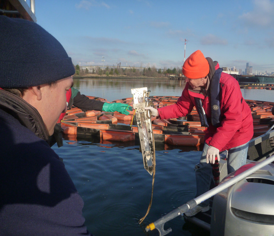 January 15, 2013 - Dive team collects passive sampler, Lower Duwamish River, WA