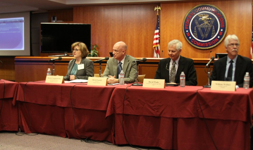 March 27, 2013 Gigabit City Challenge:  Broadband Networks Workshop  Panel 1:  What Communities Can Do With A Gigabit