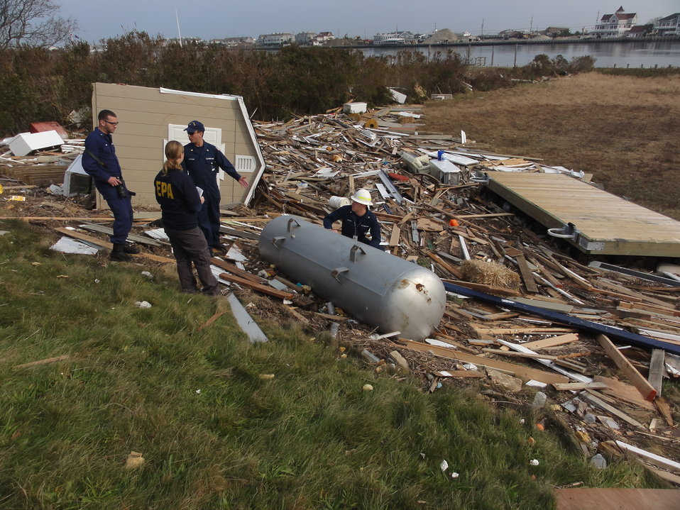 November 10, 2012 EPA and Coast Guard Assess Sandy Damage